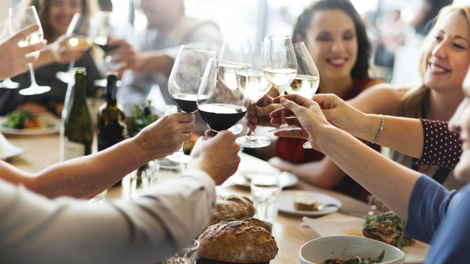 groupe, vins, tables copy@3x